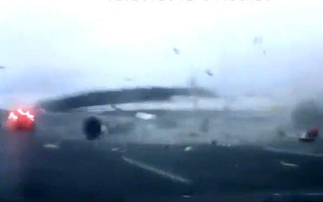 Russian highway plane crash dashcam