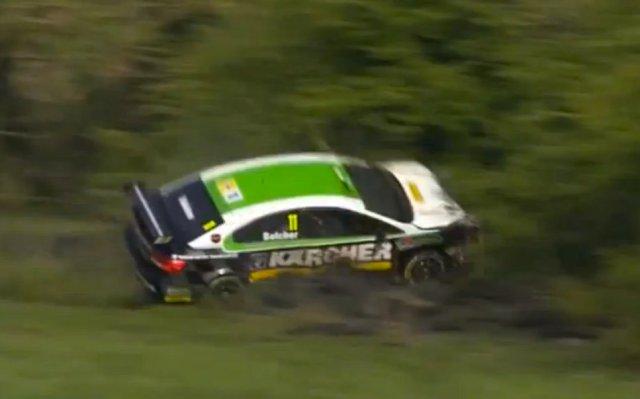 Simon Belcher Toyota BTCC crash Thruxton 2014