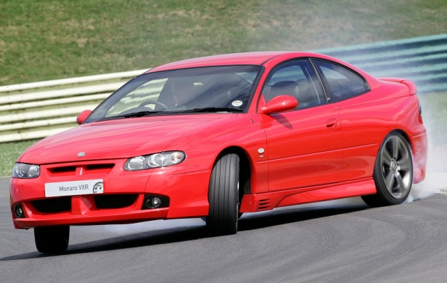 Vauxhall Monaro drift oversteer