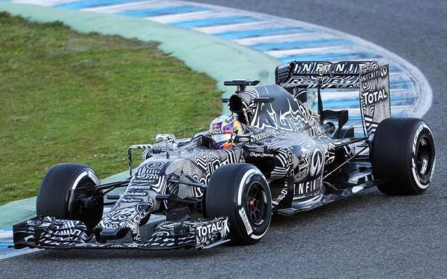 Red Bull RB11 2015 Testing livery Jerez Ricciardo