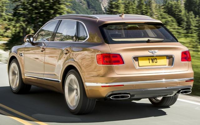Bentley Bentayga SUV rear 2016 4x4
