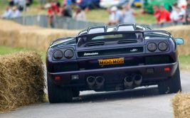 Cholmondeley Power and Speed 2016 CPAS discount tickets Lamborghini Diablo