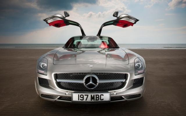 5 Mercedes SLS-001