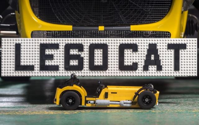 lego-caterham-620r-001