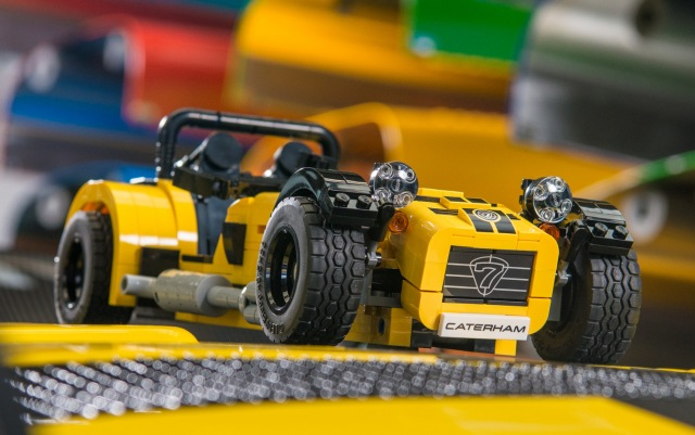 lego-caterham-620r2-001